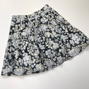 Club Monaco floral pleated skirt size 2